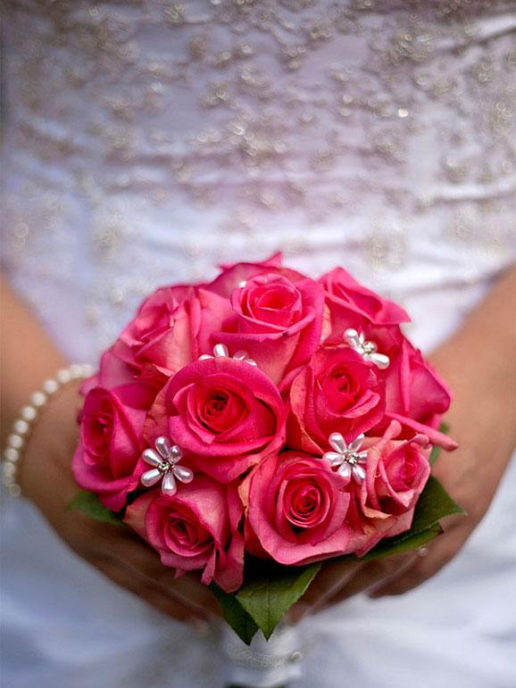 buchete de mireasa cu flori frumoase