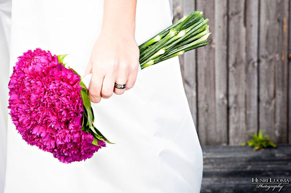 buchet simplu de mireasa cu flori cyclam