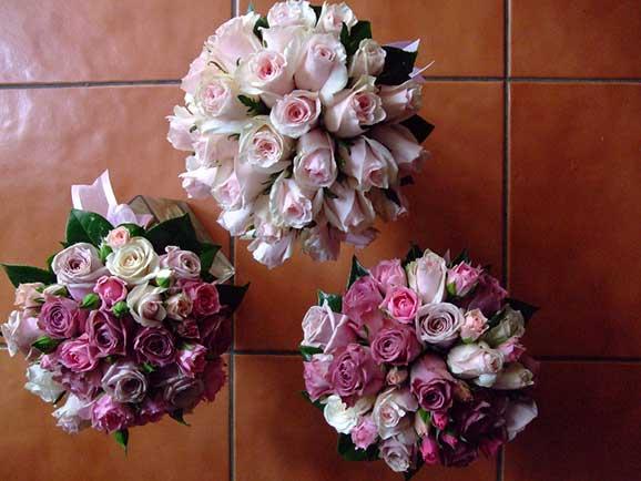 3 buchete de mireasa din trandafiri roz