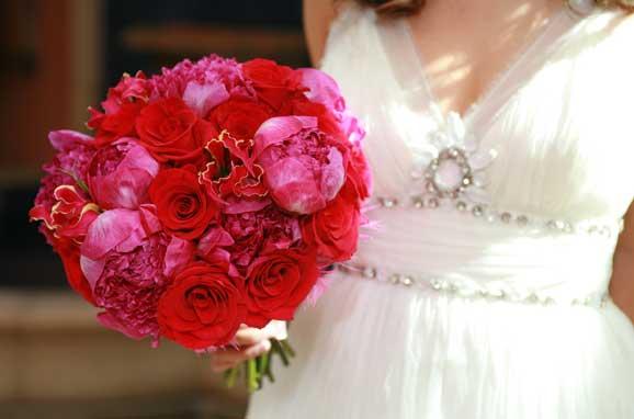 Buchete superbe de mireasa din trandafiri rosii