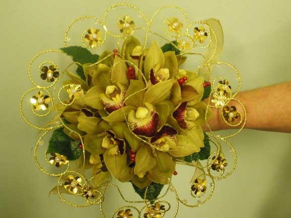 buchet superb din orhidee galbene